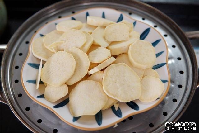 """秋天多吃红薯,用红薯做""""馒头""""没想到这么好"""