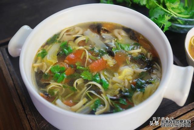 小寒将至,学会这10道荤素营养汤,暖身暖胃,不